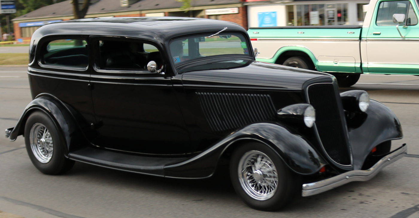 1934 Ford Two Door Sedan Hotrod